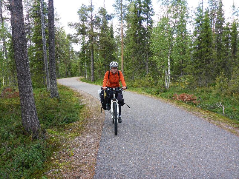 велодорожка в Экясломполо (Äkäslompolo)