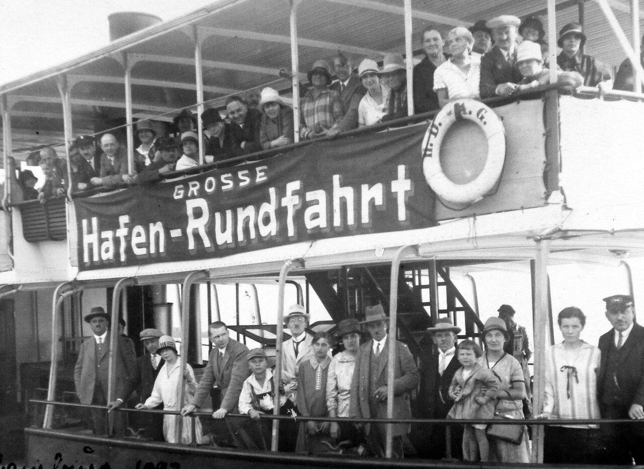 1922. Круизный корабль в Бремерхафене