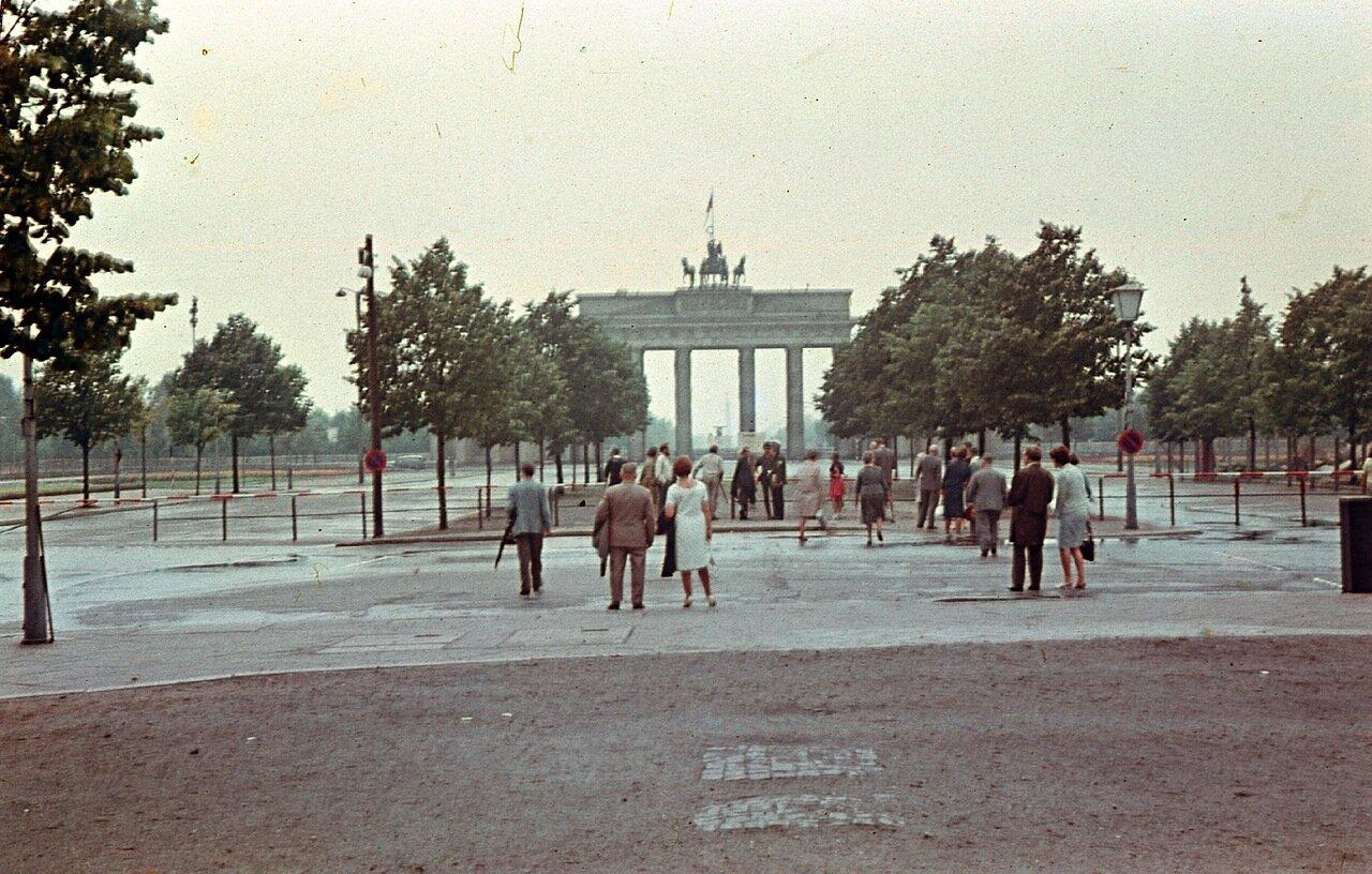 1960. Берлин, Восточный Берлин, Бранденбургские ворота