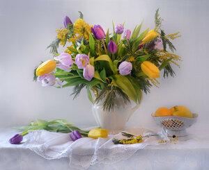 С днем весенним, ласковым, чудесным праздником всех барышень и дам!