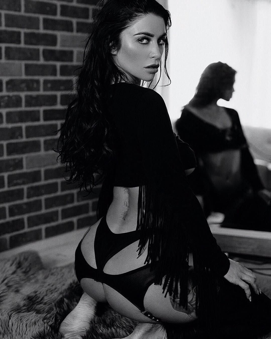 Скарлет Бувье на снимках из Instagram