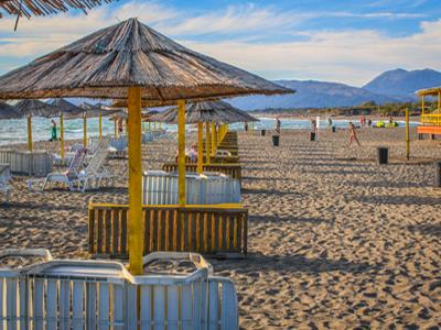 Недалеко от Ульциня - один из лучших пляжей Черногории