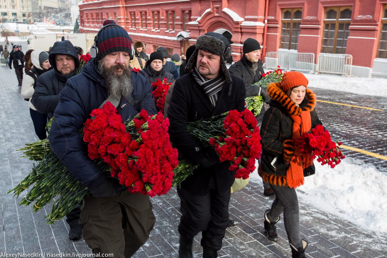 Москва торжественно помянула Сталина (фото) GA8A9899.jpg