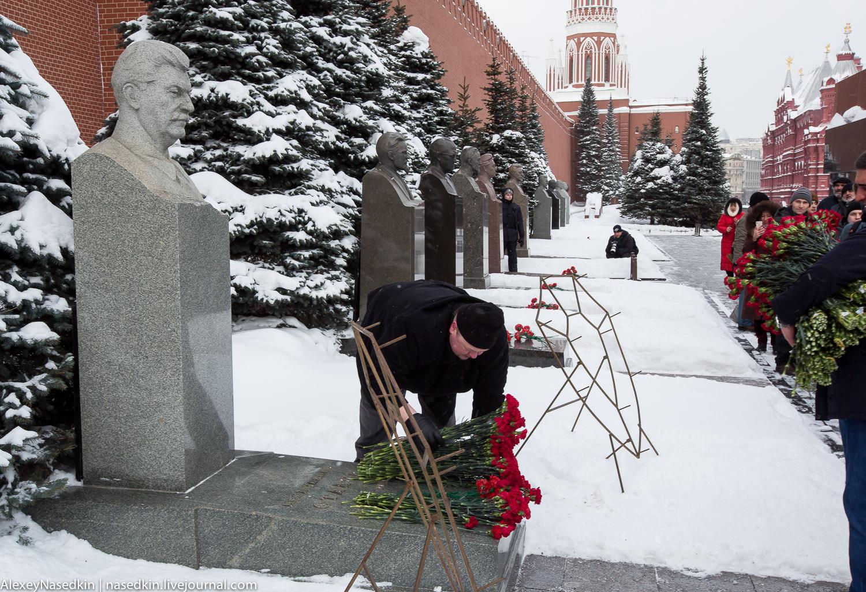 Москва торжественно помянула Сталина (фото) GA8A9906.jpg