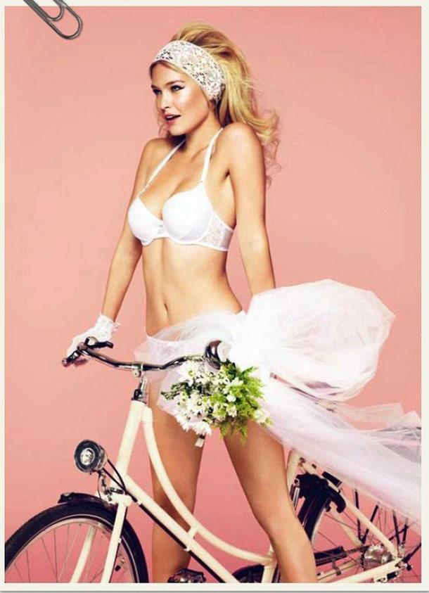 Passionata Calendar 2012 – Retro Pin-up style !