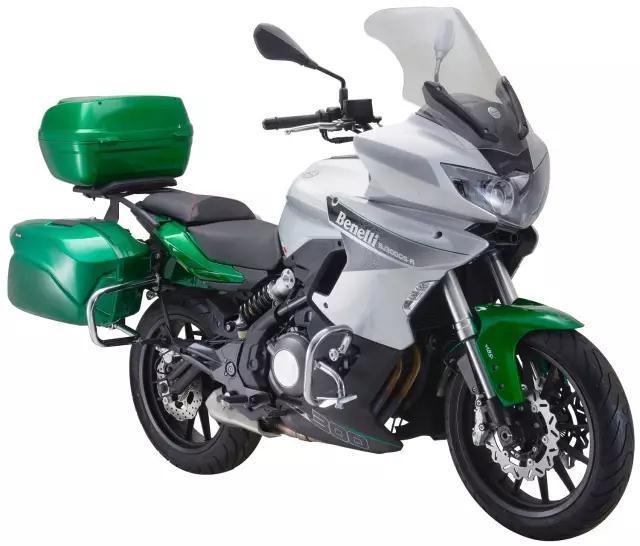 В Китае представили туристический мотоцикл Benelli BJ300GS-A