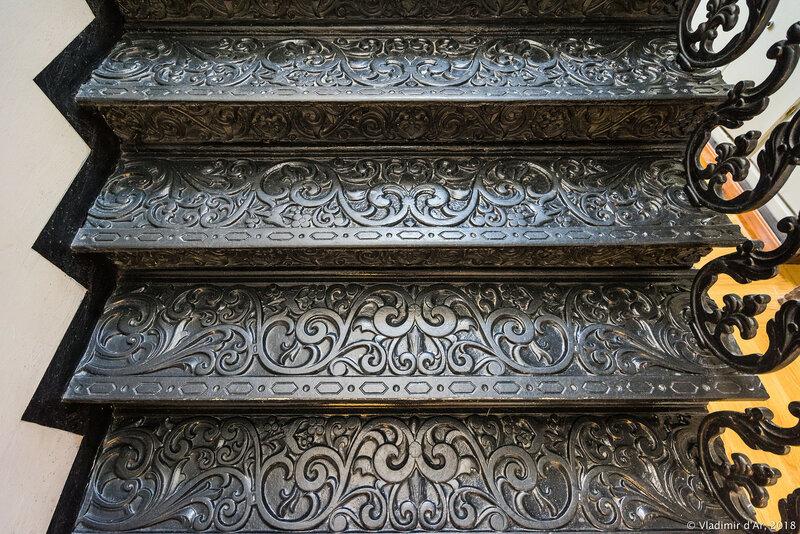 Чугунная лестница в Музее Зарайский Кремль