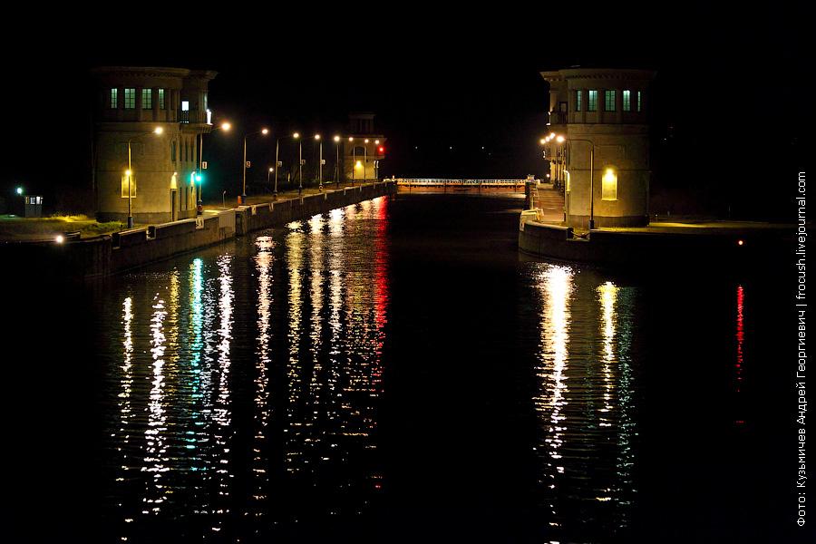 5 шлюз канала имени Москвы ночное фото