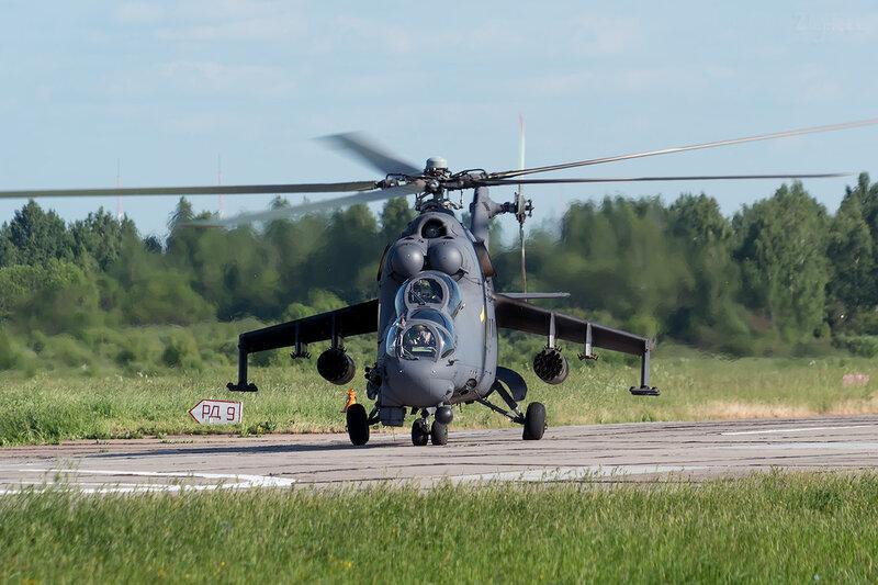 Миль Ми-24П (RF-93082 / 11 жёлтый) D801087