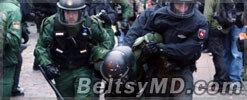 Из-за беспорядков в Германии пострадали 117 полицейских