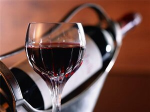 Молдова спивается — 40 % пьют минимум раз в неделю