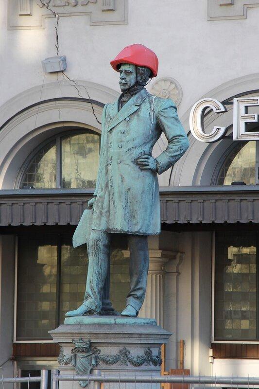 Центральный вокзал Стокгольма.памятник Нильс Эриксон. Stockholms centralstation. Nils Ericson monument.