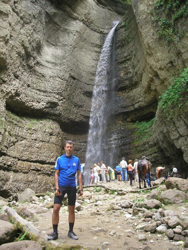 Малый чегемский водопад: один