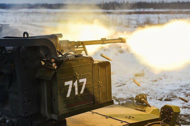 0 17f829 116773e9 XL - Нерехта - боевой робот Красной Армии