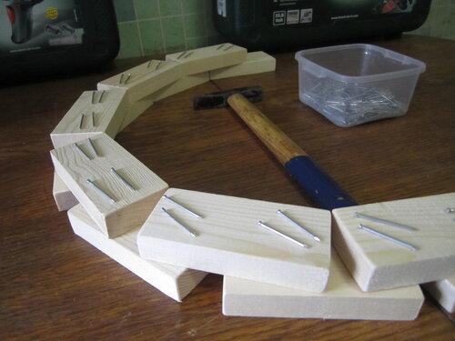 Поделки из деревянных брусков 56