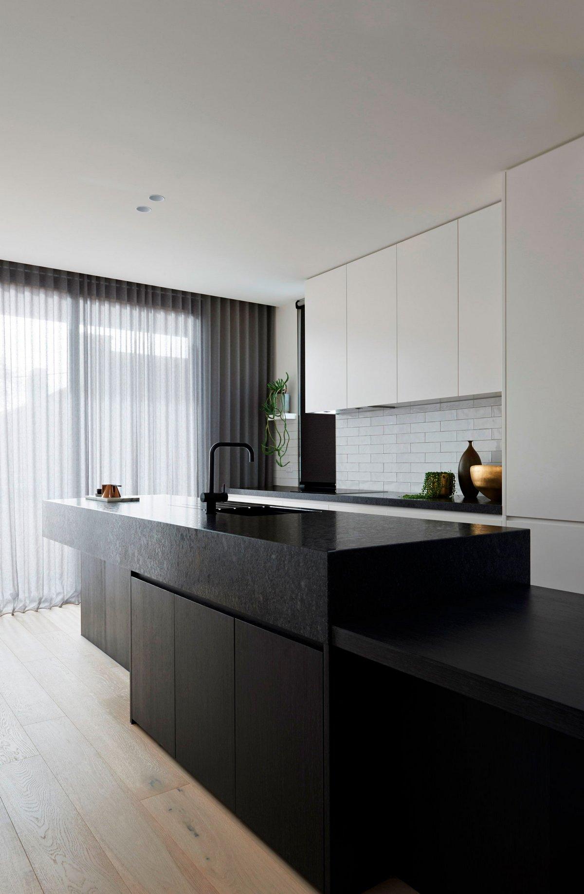 кухонный остров в частном доме