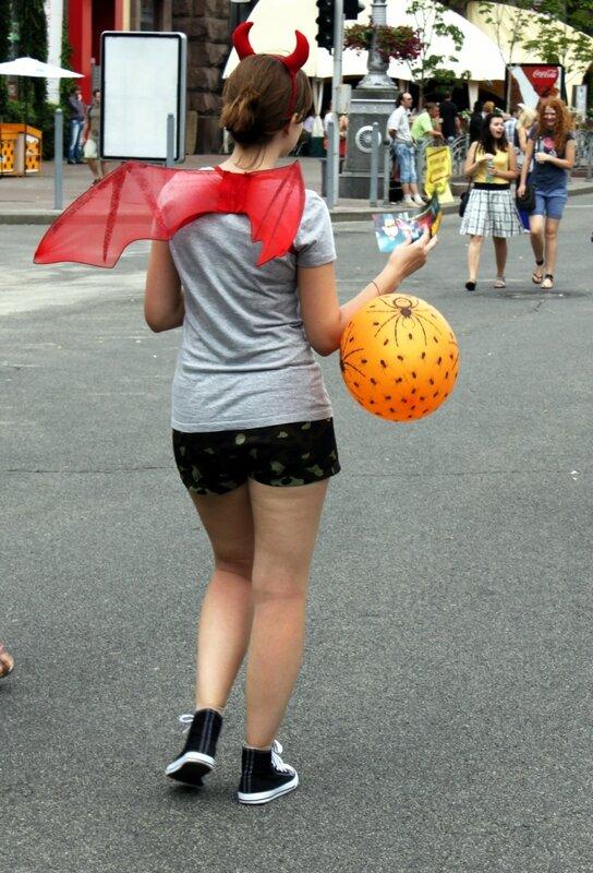 Демон с воздушным шаром