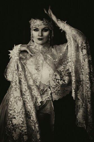 Сепия Алисы Шпиллер