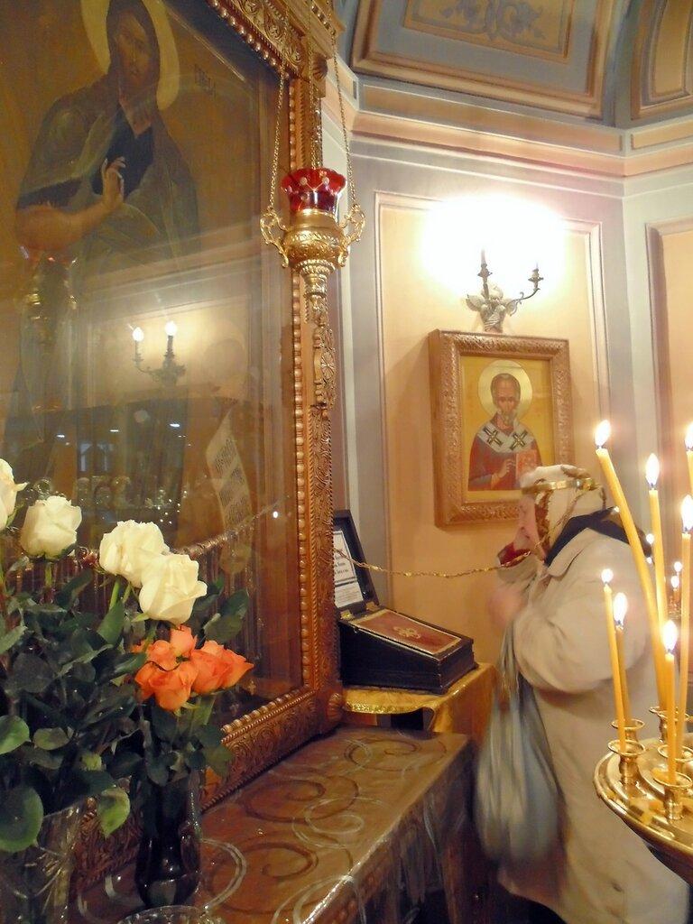 Московский монастырь Иоанна Предтечи, престол