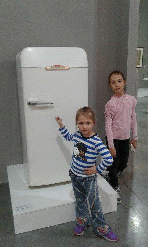 У холодильника.jpg