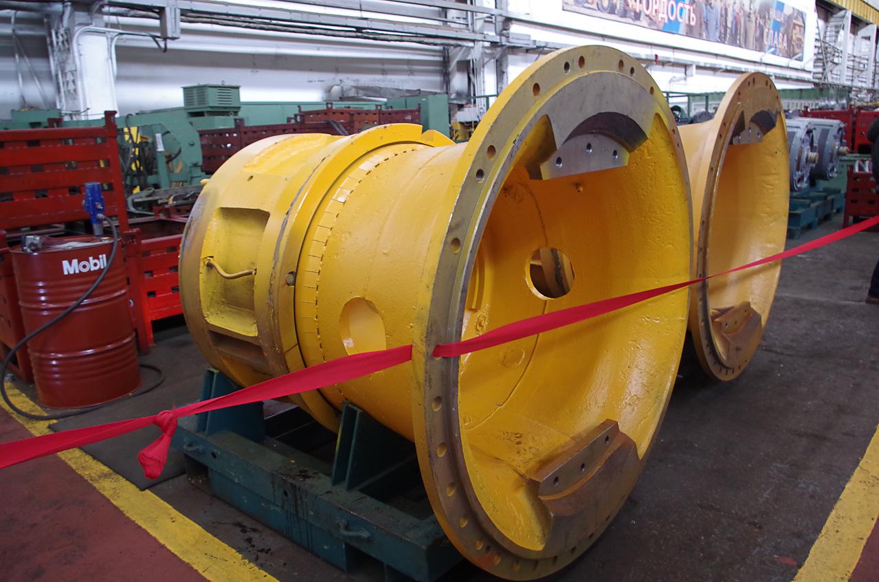 0 9287d 90ac2d24 orig Как делают гигантов    БелАЗы.