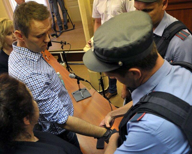 Навальный получил пять лет колонии