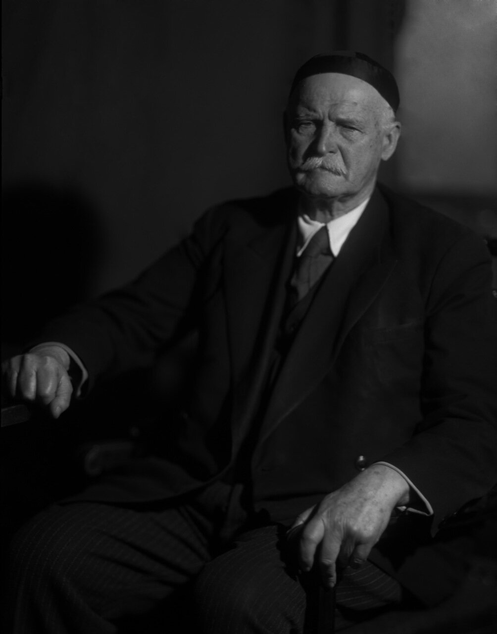 Кистяковский Владимир Александрович (30 сентября (12 октября) 1865, Киев — 19 октября 1952, Москва) — российский и советский физикохимик, академик АН СССР (1929, член-корреспондент с 1925).