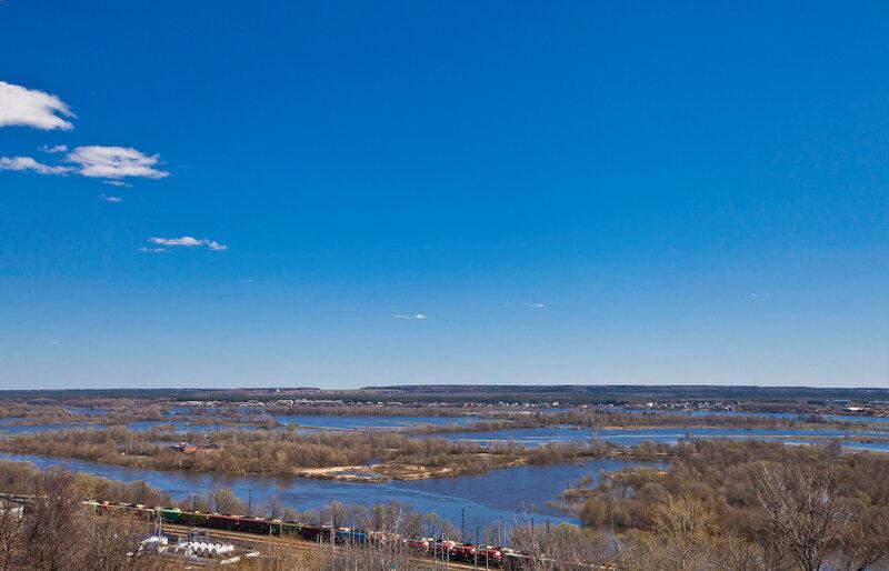 Разлив на Клязьме - Вид от Успенского собора во Владимире