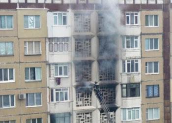 На Чеканах в одном из домов загорелись кладовки