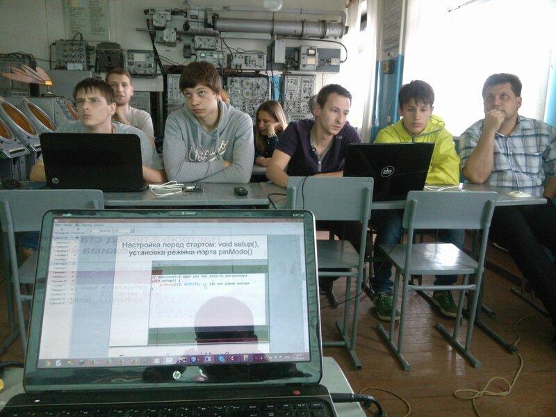 Школа роботы ДОСААФ-занятие2-контроллер-20.jpg