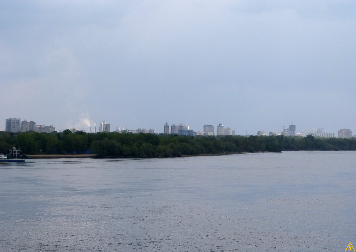Пешеходный мост и Труханов остров