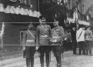 Группа офицеров  - полковых врачей на праздновании 100-летия Кульмского боя.