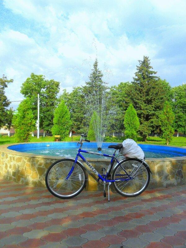 Отдых у фонтана ... SAM_8130.JPG