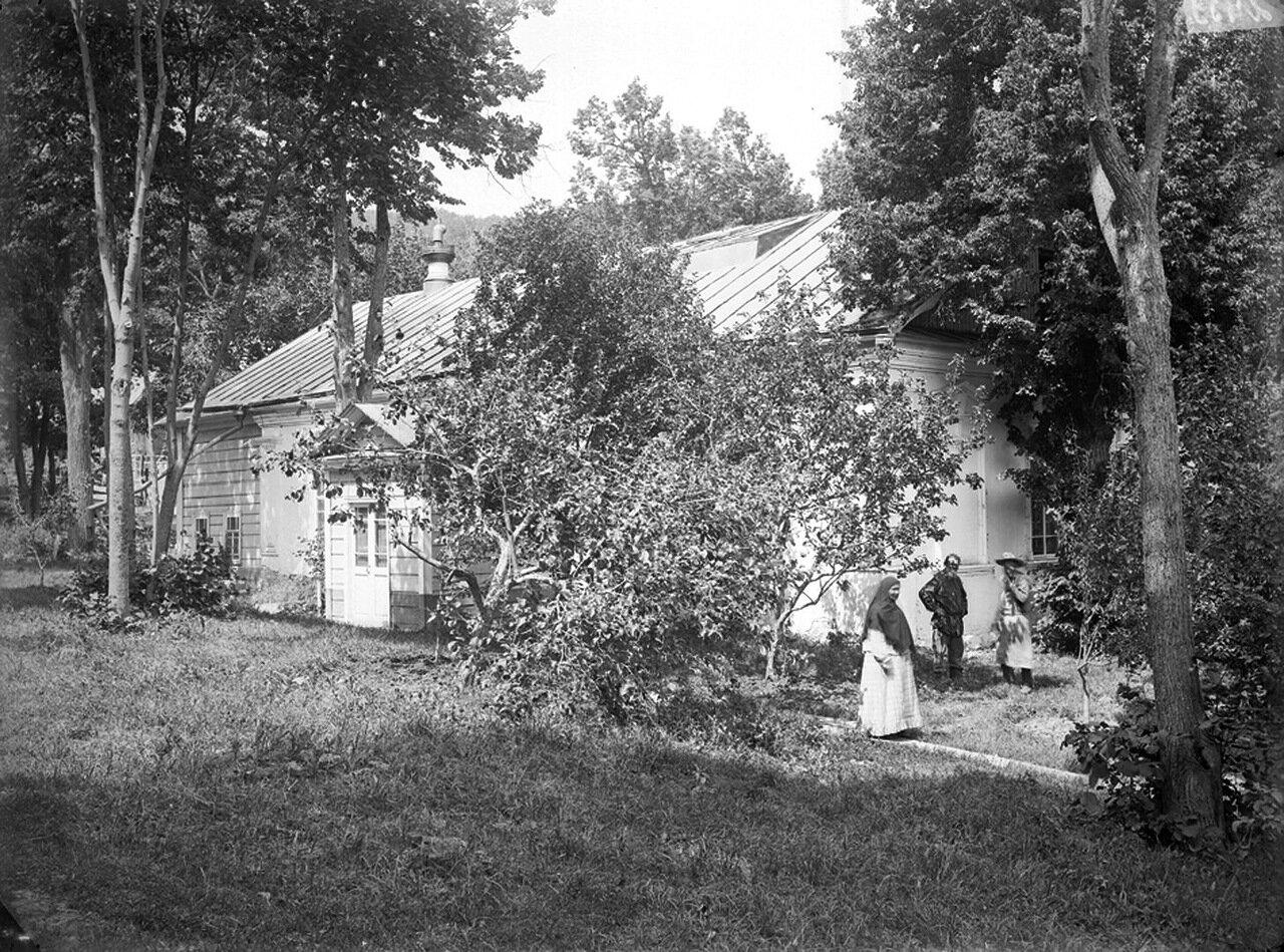 Женские скиты. Общий вид. 1894 г. г. Хвалынск.