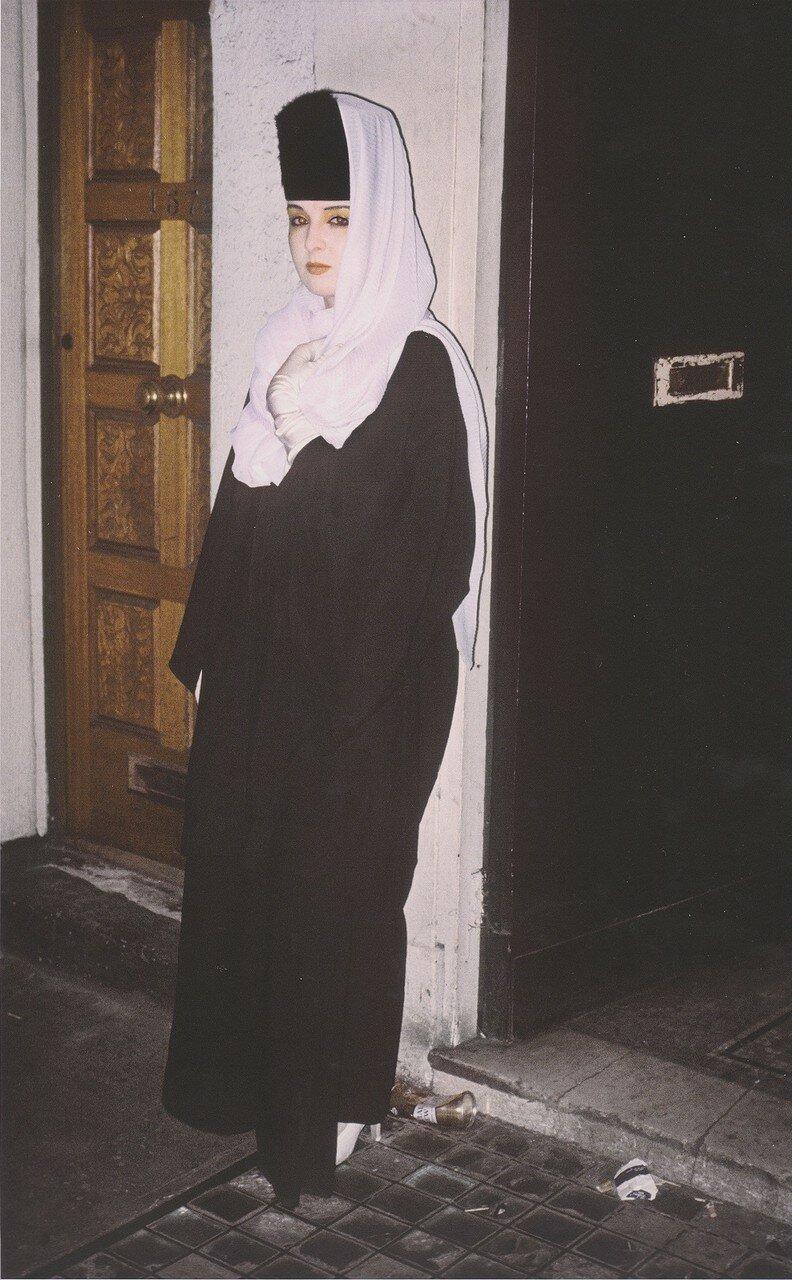 1981. Ким возле входа в клуб «St.Moritz», Сохо