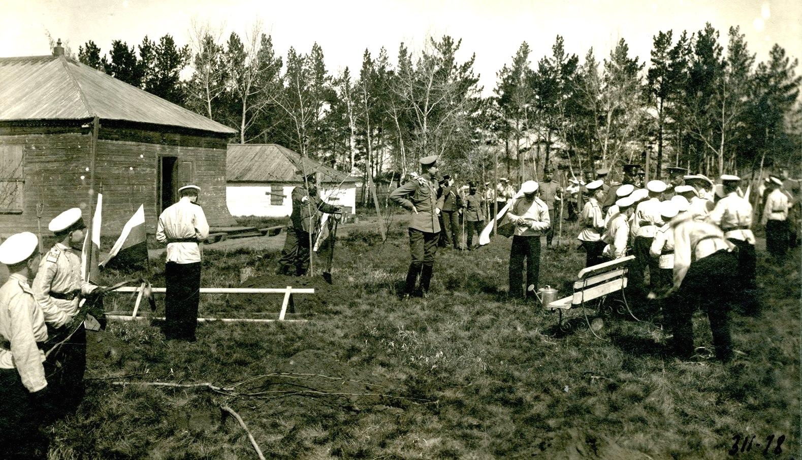 1909. Великий князь Константин Константинович в кадетском лагере