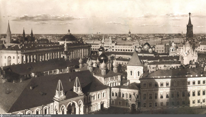 Панорама части Кремля и Китай-города. 1890-е