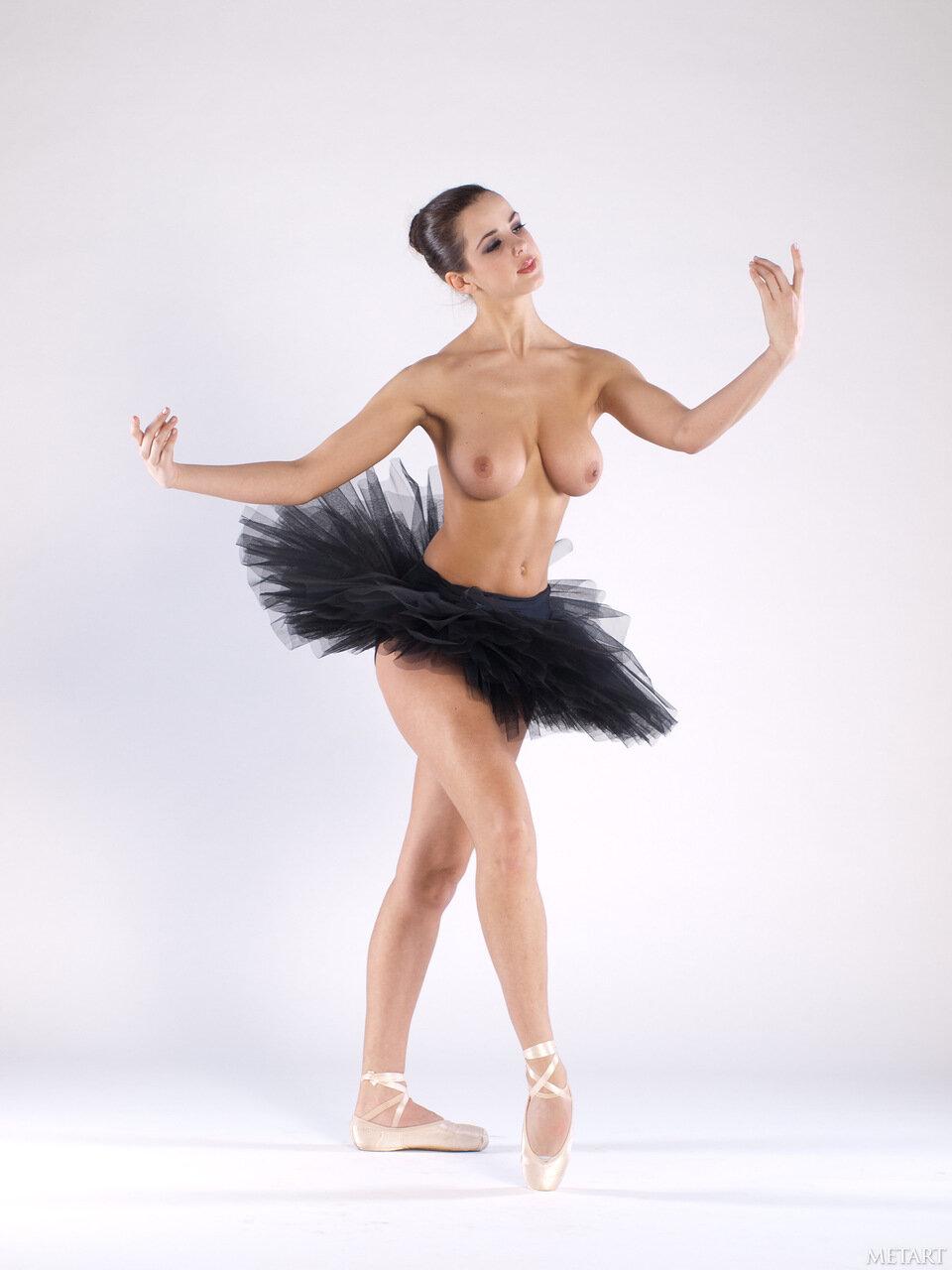 Dancer ice nude