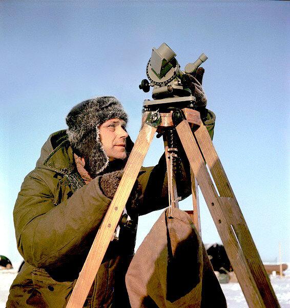 1955 Арктика СП 3 аэролог Канаки.jpg