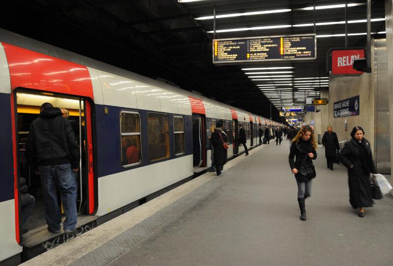 Скоростной поезд RER