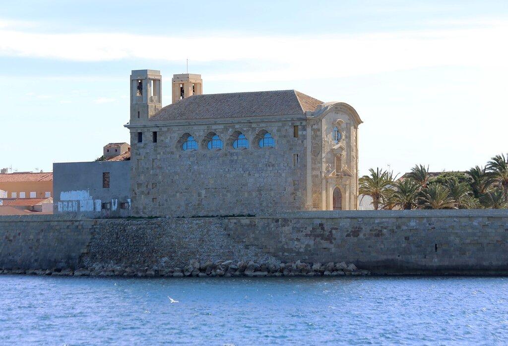 <br>. Церковь Петра и Павла (Iglesia de San Pedro y San Pablo)