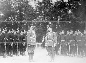 Подразделения полка на площади перед началом парада.