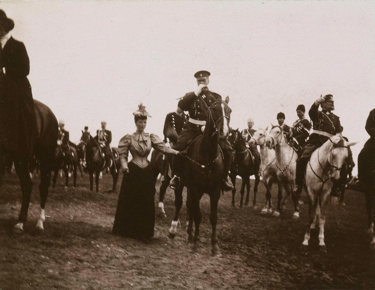 1892. Александр III и Мария Федоровна на военном параде
