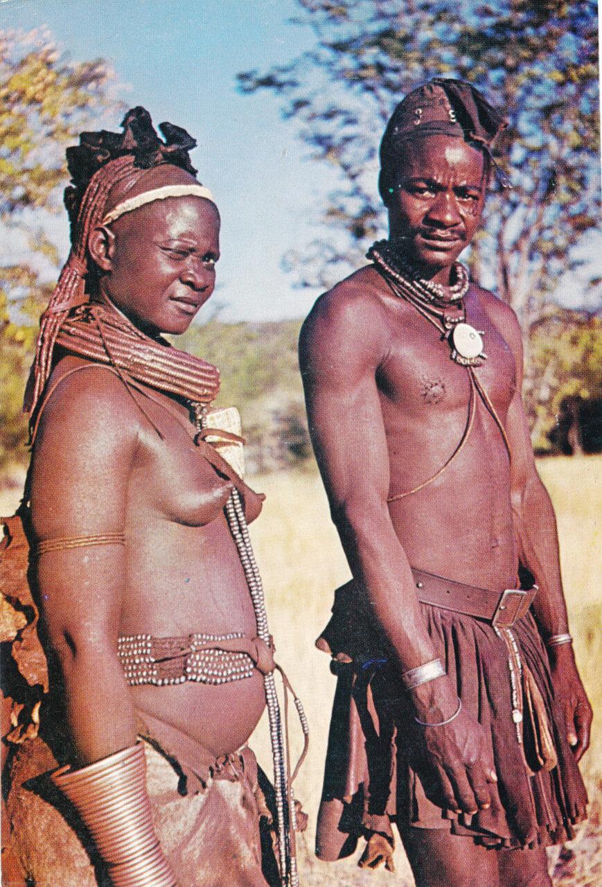 Овахимба. Намибия. Люди этого племени никогда не моются водой. Они чистятся с помощью дыма от костра.