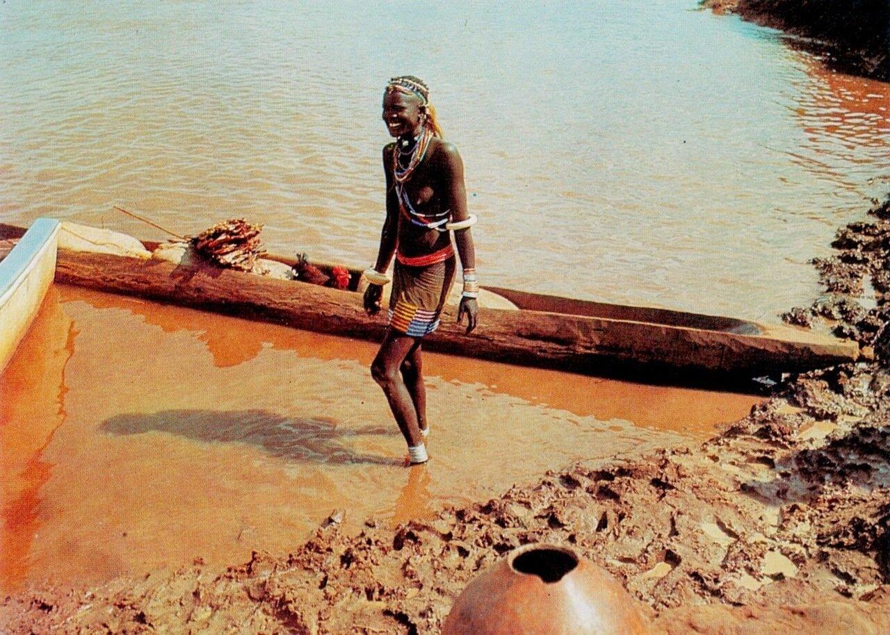 Эфиопка на реке Баро, Гамбела