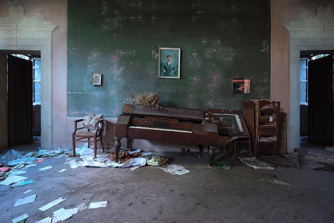 Эстетика заброшенных особняков Италии на снимках Элеоноры Кости