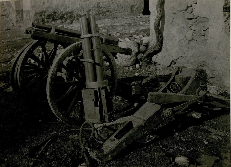 Erbeutete italienische Revolverkanone,  Muster 1885 franz. Fabr. Kalib. 3,72cm.