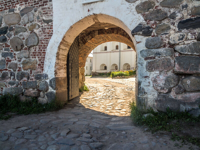 Никольские ворота.