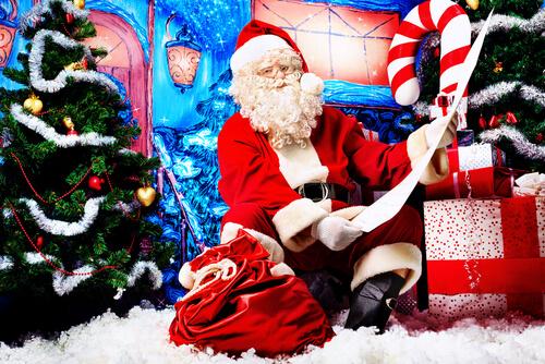 Открытка. День Рождения Деда Мороза. Дед Мороз со списком адресов и подарков