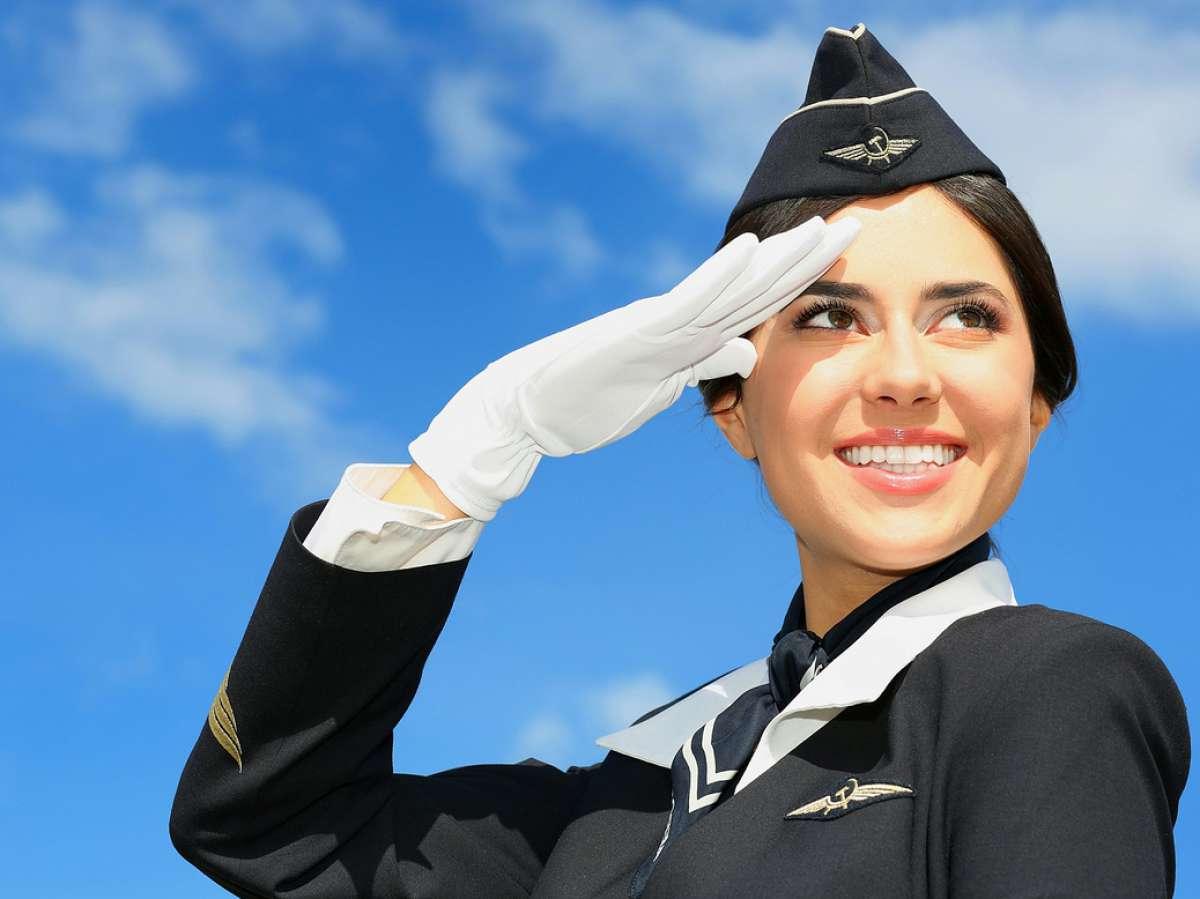 С Днем гражданской авиации! Нас встречают с улыбкой!